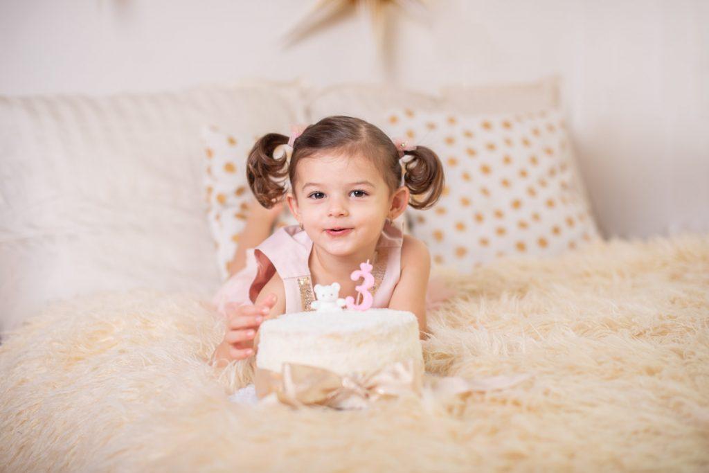 narodeninove fotenie s tortou, fotenie detí,