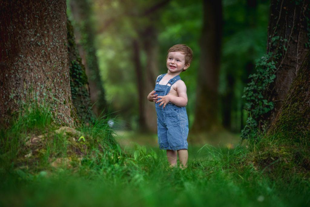 smiech, lapaj, fotenie v parku, fotenie detí, chlapec