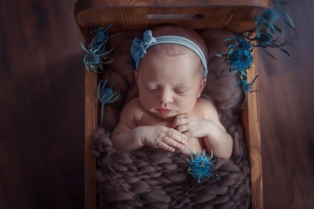 spanok bábätka, profesionalny newbornista,