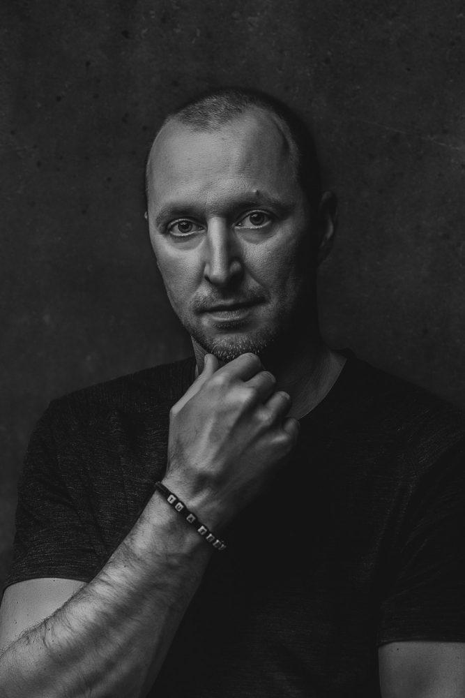 biznis portrét, portrét muž, fotenie v atelieri